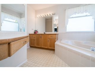 """Photo 14: 6132 185A Street in Surrey: Cloverdale BC House for sale in """"Eagle Crest"""" (Cloverdale)  : MLS®# R2204506"""
