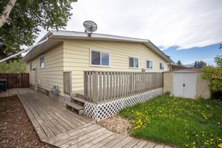 Photo 1: 18 George Crescent: Red Deer Semi Detached for sale : MLS®# A1116141