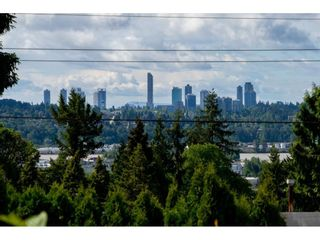 Photo 4: 1579 HAMMOND Avenue in Coquitlam: Central Coquitlam House for sale : MLS®# R2581772