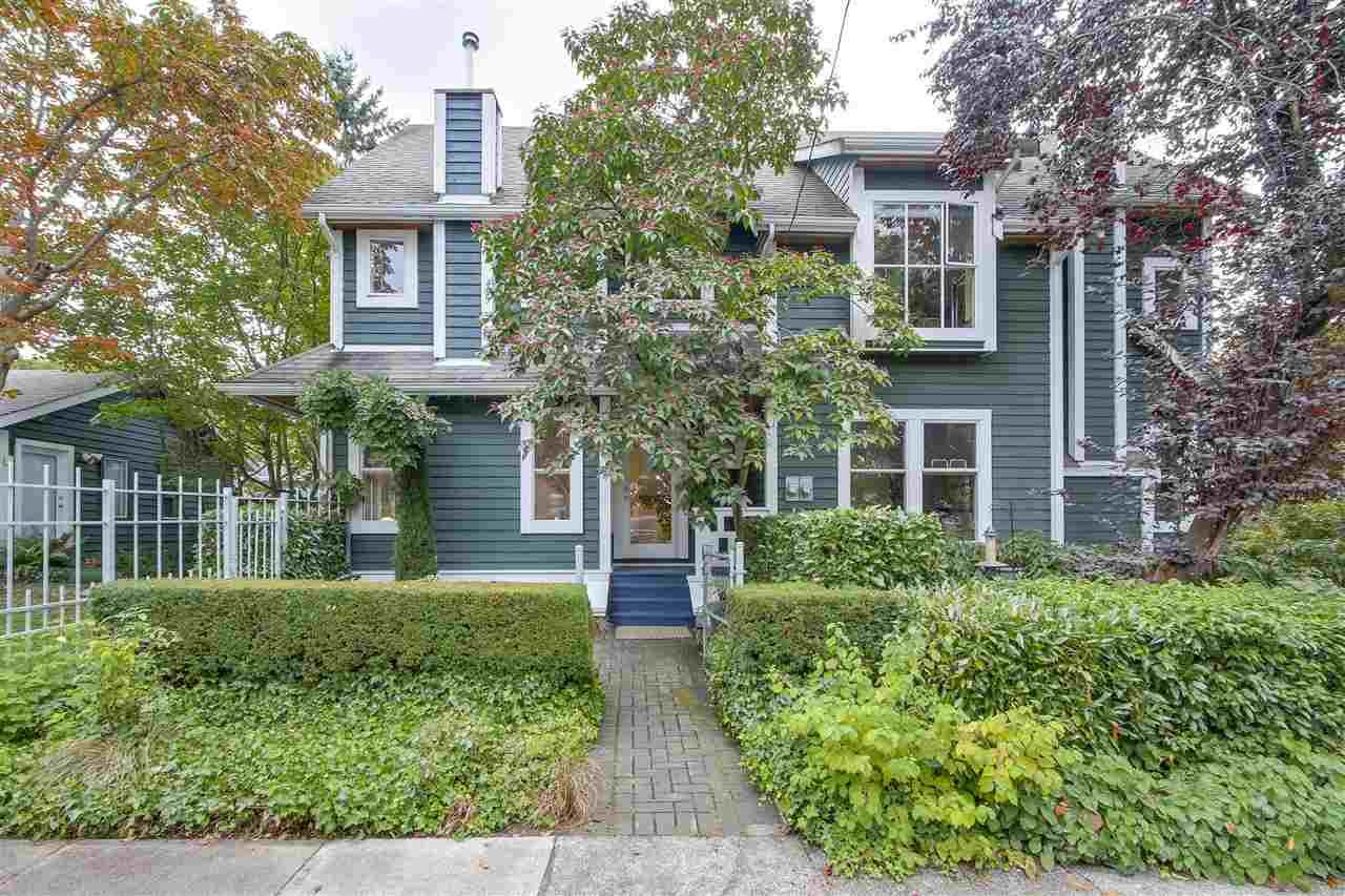 Main Photo: 2238 COLLINGWOOD Street in Vancouver: Kitsilano 1/2 Duplex for sale (Vancouver West)  : MLS®# R2208060