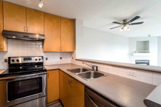 """Photo 3: 409 124 W 3RD Street in North Vancouver: Lower Lonsdale Condo for sale in """"THE VOGUE"""" : MLS®# R2245605"""