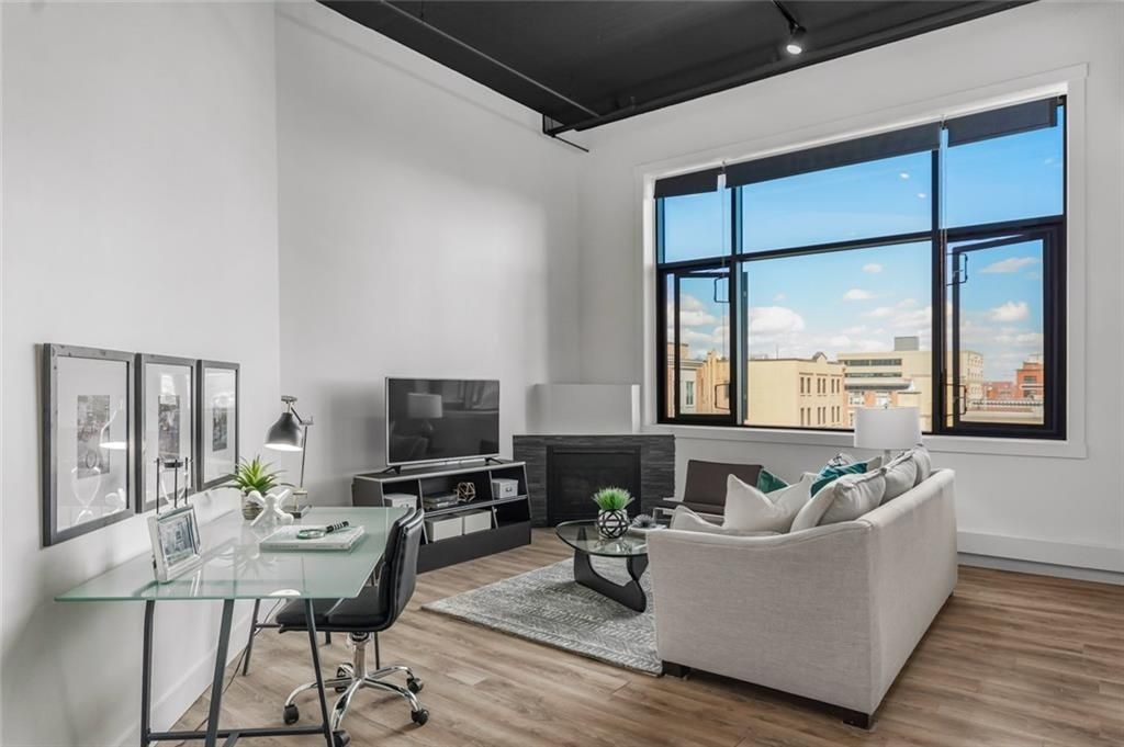 Main Photo: 304 220 11 Avenue SE in Calgary: Beltline Apartment for sale : MLS®# A1107764