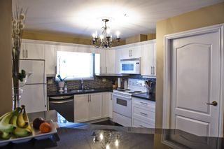 Photo 9: 203 15272 20 Avenue in Windsor Court: Home for sale : MLS®# F1010971