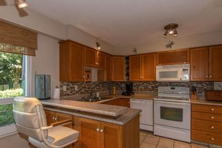 Photo 11: 2 2725 Wale Rd in : Co Colwood Corners Row/Townhouse for sale (Colwood)  : MLS®# 874827
