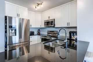 Photo 8: 525 EBBERS Way in Edmonton: Zone 02 House Half Duplex for sale : MLS®# E4241528