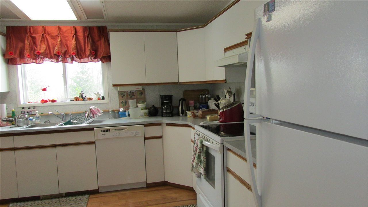 """Photo 8: Photos: 11141 BEATTIE Drive: Hudsons Hope Manufactured Home for sale in """"HUDSONS HOPE"""" (Fort St. John (Zone 60))  : MLS®# R2511397"""