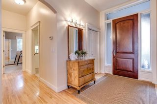 Photo 2: 208 SIGNATURE Point(e) SW in Calgary: Signal Hill House for sale : MLS®# C4141105