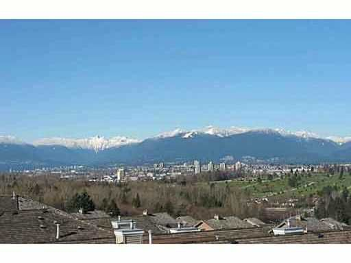 Main Photo: 401 5270 Oakmount Crescent in Burnaby: Oaklands Condo for sale (Burnaby South)  : MLS®# v1031648