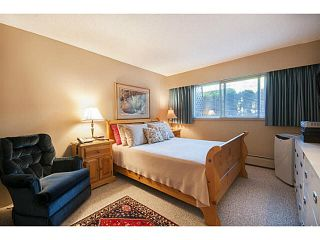 """Photo 12: 101 325 W 3RD Street in North Vancouver: Lower Lonsdale Condo for sale in """"HARBOURVIEW"""" : MLS®# V1110069"""