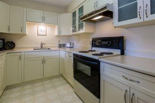 "Photo 12: 601 2167 BELLEVUE Avenue in West Vancouver: Dundarave Condo for sale in ""VANDEMAR WEST"" : MLS®# R2367187"