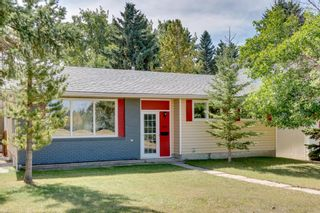 Photo 1: 4835 46 Avenue SW in Calgary: Glamorgan Detached for sale : MLS®# A1028931