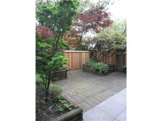 """Photo 2: 107 211 W 3RD Street in North Vancouver: Lower Lonsdale Condo for sale in """"Villa Aurora"""" : MLS®# V890407"""