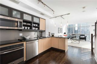 Photo 4: 36 Blue Jays Way Unit #924 in Toronto: Waterfront Communities C1 Condo for sale (Toronto C01)  : MLS®# C3706205