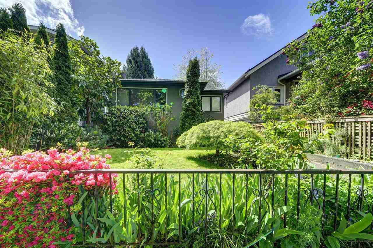 Main Photo: 312 E 43RD Avenue in Vancouver: Main House for sale (Vancouver East)  : MLS®# R2614815