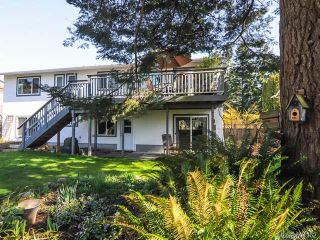 Photo 2: 171 MANOR PLACE in COMOX: CV Comox (Town of) House for sale (Comox Valley)  : MLS®# 694162