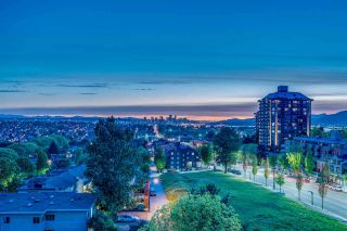 """Photo 3: 402 3920 HASTINGS Street in Burnaby: Willingdon Heights Condo for sale in """"INGLETON PLACE"""" (Burnaby North)  : MLS®# R2298394"""