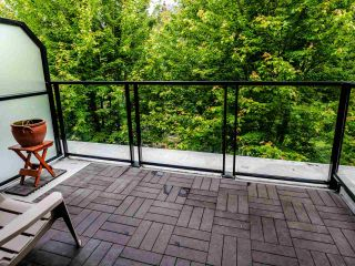 "Photo 10: 404 7418 BYRNEPARK Walk in Burnaby: South Slope Condo for sale in ""GREEN"" (Burnaby South)  : MLS®# R2466553"