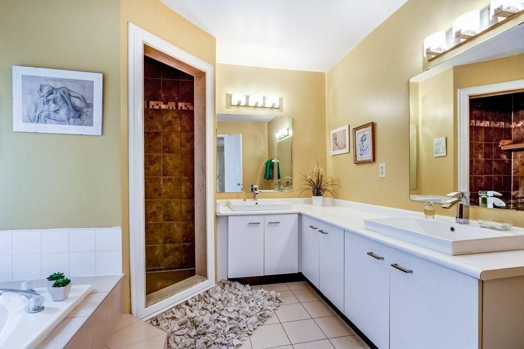 Photo 17: Photos: 23 HARBOUR Drive in Stoney Creek: Residential for sale : MLS®# H4086318