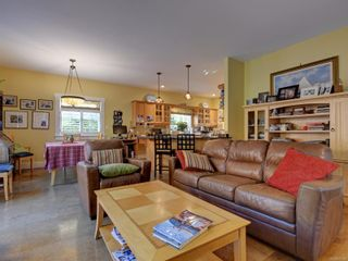 Photo 9: 513 Foul Bay Rd in : Vi Fairfield East House for sale (Victoria)  : MLS®# 871960