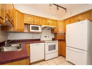 """Photo 8: 12 7549 HUMPHRIES Court in Burnaby: Edmonds BE Townhouse for sale in """"SOUTHWOOD COURT"""" (Burnaby East)  : MLS®# V1108085"""