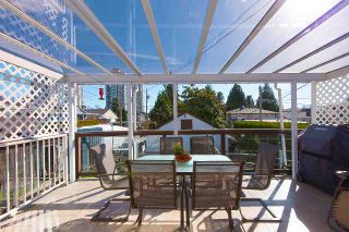 Photo 11: 7062 HALLIGAN Street in Burnaby: Highgate House for sale (Burnaby South)  : MLS®# R2249715