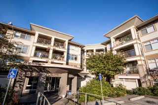 "Photo 3: 118 12248 224 Street in Maple Ridge: East Central Condo for sale in ""URBANO"" : MLS®# R2219429"