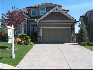 Photo 1: 7866 164A Street in Surrey: Fleetwood Tynehead House for sale : MLS®# R2608460