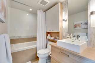 """Photo 6: 611 1783 MANITOBA Street in Vancouver: False Creek Condo for sale in """"The Residences at West"""" (Vancouver West)  : MLS®# R2155834"""