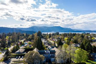 Photo 2: 102 1196 Sluggett Rd in BRENTWOOD BAY: CS Brentwood Bay Condo for sale (Central Saanich)  : MLS®# 838000