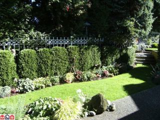 "Photo 15: 6 15099 28TH Avenue in Surrey: Elgin Chantrell Townhouse for sale in ""Gardens at Semiahmoo"" (South Surrey White Rock)  : MLS®# F1026125"