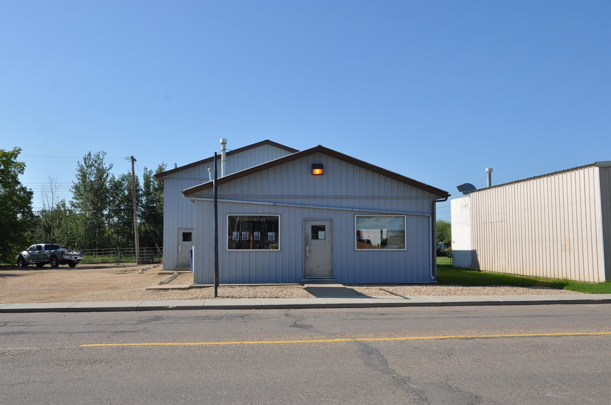 Main Photo: 10256 107 Street: Westlock Business with Property for sale : MLS®# E4256398