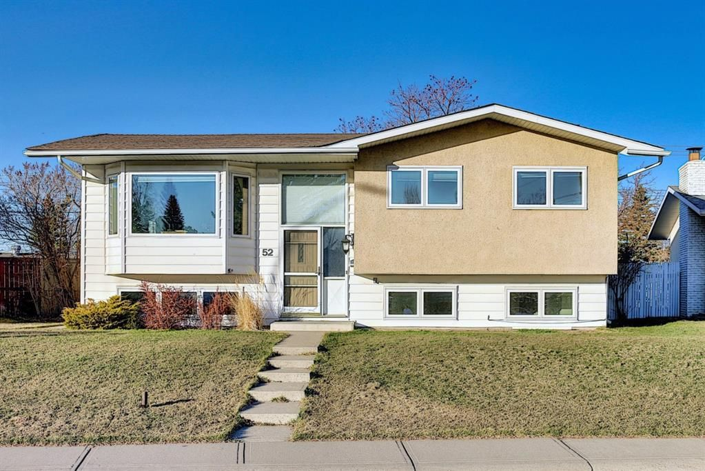 Main Photo: 52 Maple Court Crescent SE in Calgary: Maple Ridge Detached for sale : MLS®# A1092001