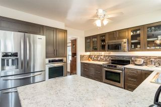 "Photo 4: 6117 W BOUNDARY Drive in Surrey: Panorama Ridge Townhouse for sale in ""LAKEWOOD GARDENS"" : MLS®# R2318441"