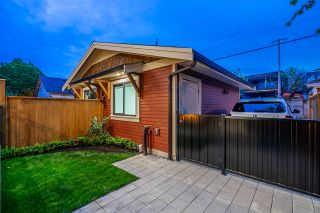 Photo 30: 370 E 16TH Avenue in Vancouver: Main 1/2 Duplex for sale (Vancouver East)  : MLS®# R2454075