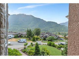 Photo 3: 4450 ESTATE Drive in Chilliwack: Chilliwack River Valley House for sale (Sardis)  : MLS®# R2600095
