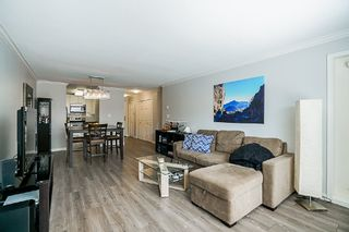 Photo 4: 106 1378 GEORGE Street: White Rock Condo for sale (South Surrey White Rock)  : MLS®# R2310592