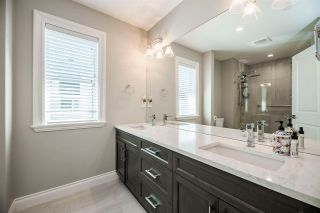 Photo 17: 15498 RUSSELL Avenue: White Rock House for sale (South Surrey White Rock)  : MLS®# R2568948