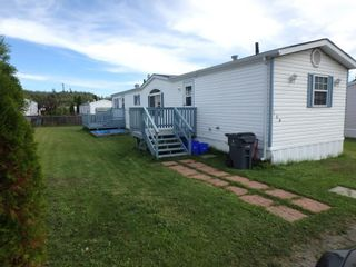 """Photo 1: 160 2500 GRANT Road in Prince George: Hart Highway Manufactured Home for sale in """"HART HIGHWAY"""" (PG City North (Zone 73))  : MLS®# R2557833"""