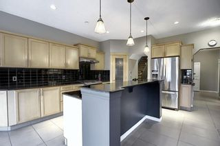 Photo 6: 135 Rockborough Park NW in Calgary: Rocky Ridge Detached for sale : MLS®# A1042290