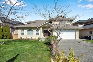 Photo 2: 8068 168A Street in Surrey: Fleetwood Tynehead House for sale : MLS®# R2559682