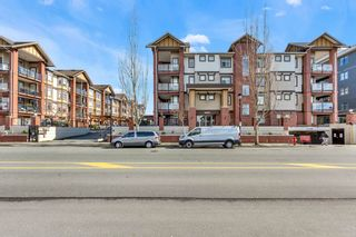 "Photo 1: 112 5650 201A Street in Langley: Langley City Condo for sale in ""Paddington Station"" : MLS®# R2548743"