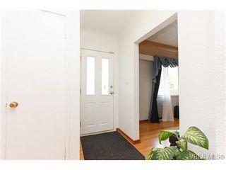 Photo 3: 887 Lampson St in VICTORIA: Es Old Esquimalt Half Duplex for sale (Esquimalt)  : MLS®# 674265