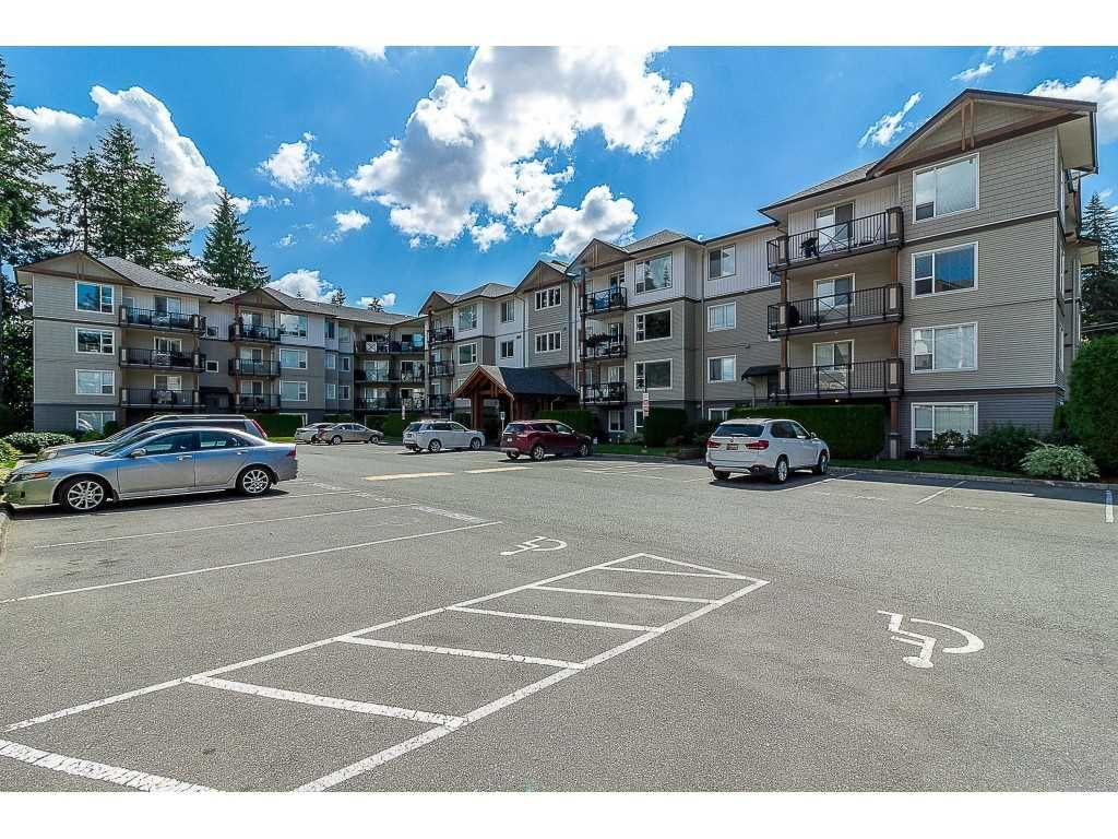 """Main Photo: 107 2955 DIAMOND Crescent in Abbotsford: Central Abbotsford Condo for sale in """"WestWood"""" : MLS®# R2462218"""