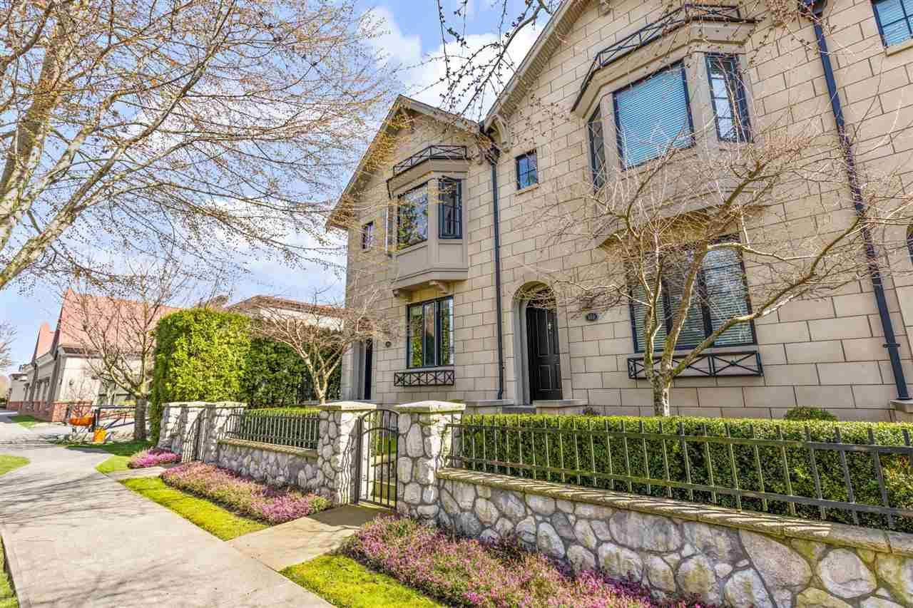 """Main Photo: 101 2580 LANGDON Street in Abbotsford: Abbotsford West Townhouse for sale in """"The Brownstones"""" : MLS®# R2563878"""