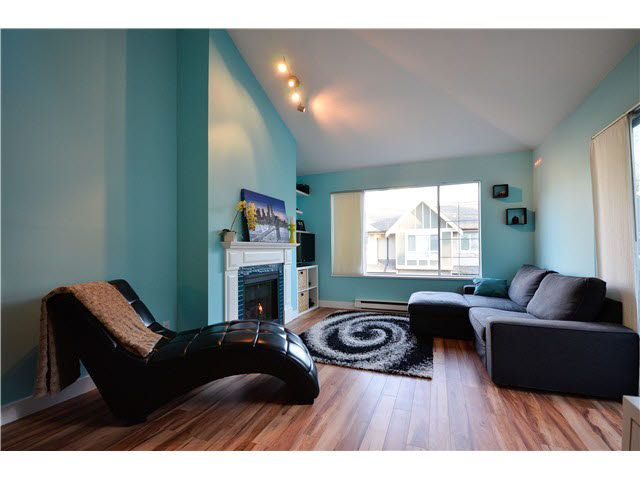 """Main Photo: 315 6820 RUMBLE Street in Burnaby: South Slope Condo for sale in """"GOVERNORS WALK"""" (Burnaby South)  : MLS®# V1101985"""