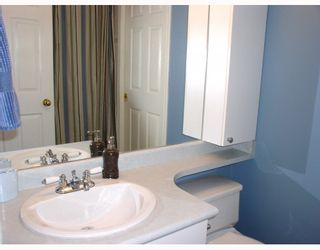 Photo 9: 204 2485 ATKINS Avenue in Port_Coquitlam: Central Pt Coquitlam Condo for sale (Port Coquitlam)  : MLS®# V763152