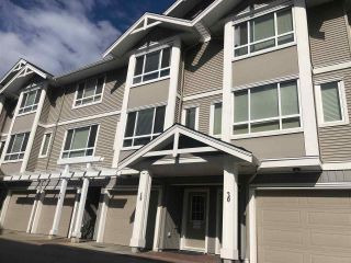 """Photo 11: 19 20195 68 Avenue in Langley: Willoughby Heights Townhouse for sale in """"HIGHLANDS"""" : MLS®# R2409050"""