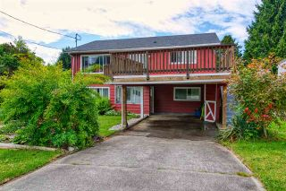 """Photo 18: 723 DOGWOOD & BLACKBERRY LANE Road in Gibsons: Gibsons & Area House for sale in """"Bay area"""" (Sunshine Coast)  : MLS®# R2593511"""