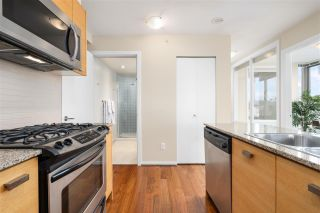 "Photo 11: 701 2483 SPRUCE Street in Vancouver: Fairview VW Condo for sale in ""SKYLINE ON BROADWAY"" (Vancouver West)  : MLS®# R2576030"