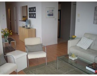 """Photo 8: 2203 907 BEACH Avenue in Vancouver: False Creek North Condo for sale in """"CORAL COURT"""" (Vancouver West)  : MLS®# V697746"""